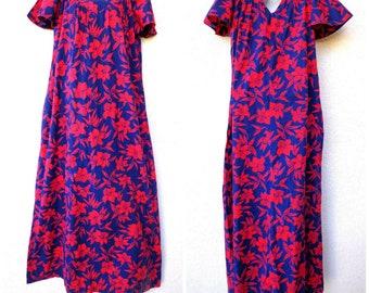 1970s Hawaiian DRESS. Hawaiian MuuMuu. Hawaiian Caftan. Tent Dress. Vintage Muu Muu. Red and Blue MuuMuu. Tropical Floral Print. Modest Cut