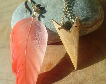 Natural feather of Ibis and bamboo earrings