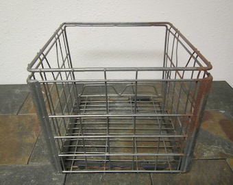 vintage CASS CLAY CREAMERY Milk Crate, 8 / 85 metal wire  crate,* storage crate
