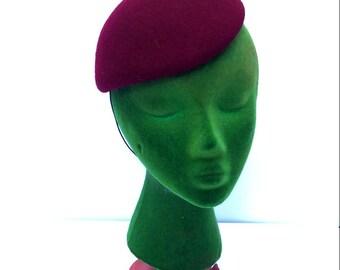 VTG Maroon Womens Hat // Mini Beret // Fedoria // Elastic Strap