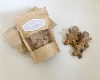 Blueberry-men biscuits / Handmade all natural dog treats / biscuits