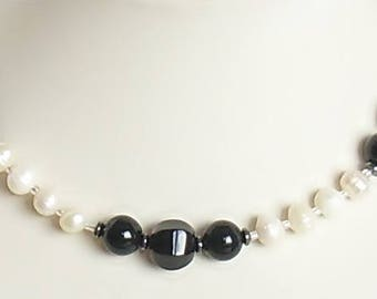 Gemstone Necklace Black and white necklace white black festive gemstone jewelry festive necklace white Freshwater pearls Black onyx chic
