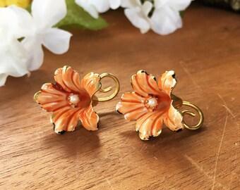 Pearl Flower Earrings, Coral Earrings, Flower Clip On Earrings, Vintage Flower Earrings, Orange Flower Earrings Vintage Gold Flower Earrings
