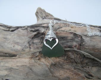 Cornish Mermaids Tear Necklace in Green with Heart Charm - Sterling Silver