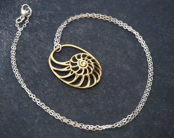 Sea Shell Necklace - Nautilus Necklace - Ammonite Necklace - Brass with silver chain