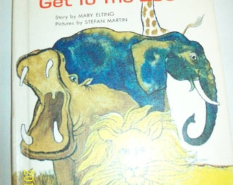 How the Animals Get to the Zoo (Wonder book Easy Reader) Hardcover – 1964 by Mary Elting (Author), Stefan Martin (Illustrator) Like New