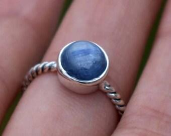 natural Kyanite Ring-Oval Cab Kyanite Ring-925 Sterling Silver Kyanite Ring-Blue  Ring-Natural Birthstone Ring-Gemstone Ring-Gift for her.