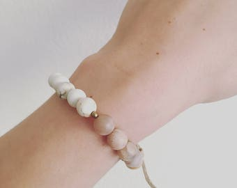 Crystal Bracelet with Howlite and Moonstone