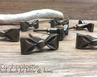 SET OF 8 - Antique Bronze Metal Bow Knobs - Ribbon Bow Drawer Pull - Whimsical Baby Girl Nursery - Cabinet Decor