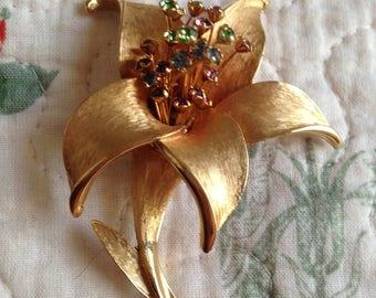 Gold Vintage Flower Brooch