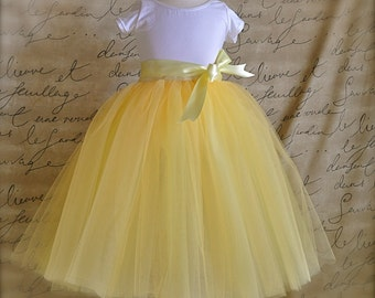 Yellow tutu for girls. Yellow tulle for a Flower Girls tulle skirt. Your choice of ribbon color.