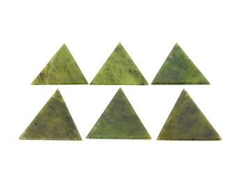 Nephrate Jade Triangle  (RK510B10-01)