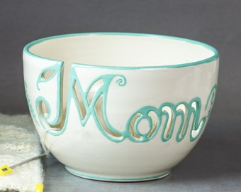 Mom Yarn bowl Knitting bowl Personalized gift for mother Unique OOAK Custom Crochet Ceramic bowls White organizer Mint green In STOCK