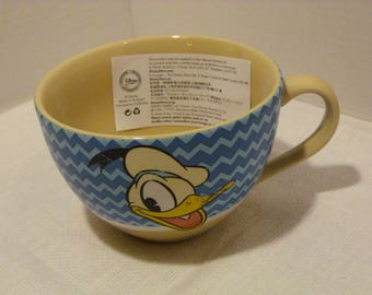 Disney Store Authentic Donald Duck Cappuccino / Soup Mug New Old Stock