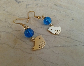 Golden love bird – fancy earrings with gold plated bird charms and blue glass beads; Love birds; Twit; Tweet; Chirpy; Bird earrings