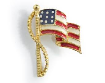 Vintage American Flag Brooch, Enamel, STZ3