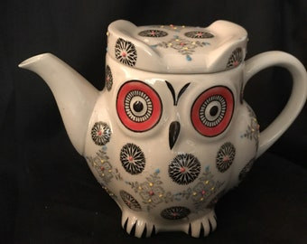 Vintage Teapot Owl Pitcher Hand Painted by Royal China Teapot 5 cups