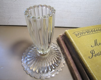Ribbed Glass Candle Holder - Scalloped Edge Base