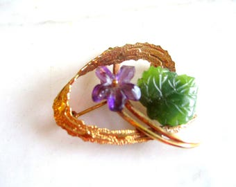 Fifties vintage brooch violet