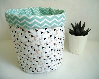 Basket graphic layers GM mixed triangles and water green herringbone reversible