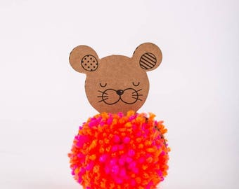 DIY SOZO pom pom kit, Pompom ball maker kit, Pompom ball maker, Red, Bear, Kids fine motor skills, Kids DIY Idea, Chunky diy
