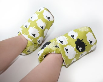 Sale - Little Lamb Baby Shoes in Grass Green Unisex for Boy or Girl Baby Booties with Sheep- 0 3 6 12 18 months Eco Friendly Baby