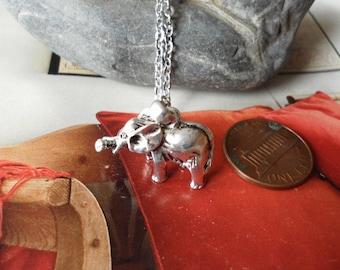 LUCKY ELEPHANT Necklace Silver
