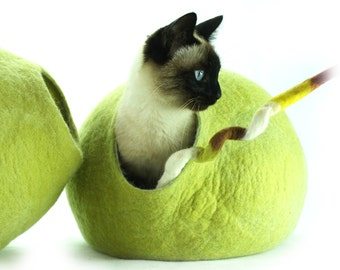 Cat bed, house, cave, nap cocoon Handmade  from natural Sheep wool. Color  Birch Green. Kivikis