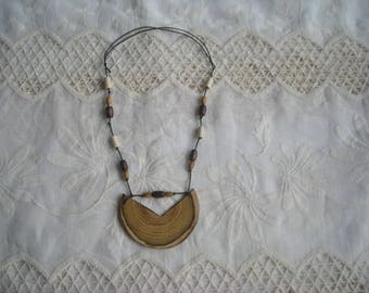Acacia pendant necklace