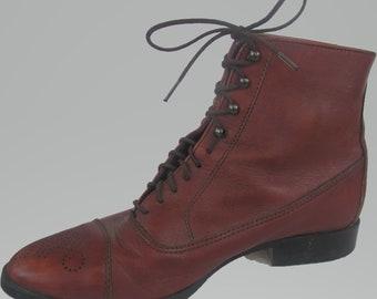Women's Chestnut Brown Vintage Ankle Boots / Size 11