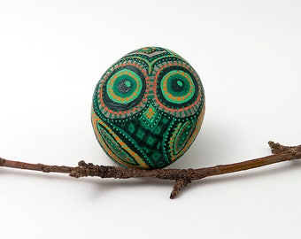 Owl Gift | Owl Stone in Green and Orange  | Painted Owl Rock | Owl Decor | Owl Lover Gift | Owl Rock Art | Decorative Owl | Rock Animal