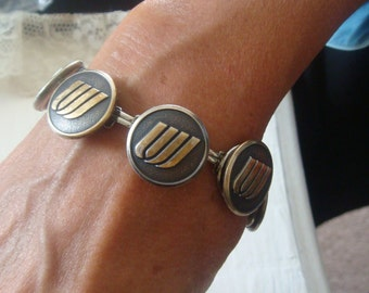 UNITED AIRLINES/AMERICAN   Bracelet~ designed from Vintage Uniform Buttons~ Send me Your own  Buttons