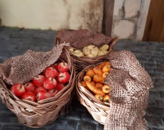 Miniature fruit or vegetable basket
