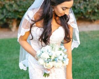SIGNATURE OBB Fingertip Wedding Veil - Lace Fingertip Veil, Lace Bridal Veil, Lace Wedding Veil, Ivory Lace Veil Fingertip, Short Veil Bride