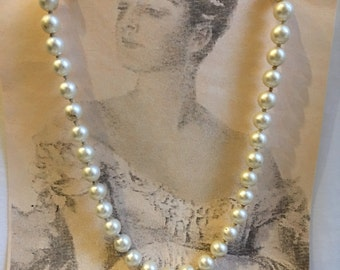 Vintage Knotted Pearl Necklace Costume Jewelry.