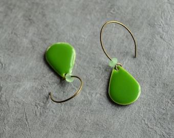 Green teardrop earrings, Green drop earrings, Olive green earrings, Epoxy earrings, Kelly green earrings, Green dangle earrings, Brass