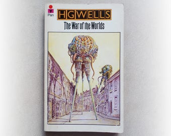 HG Wells - The War of the Worlds - Pan science fiction vintage paperback book - 1975