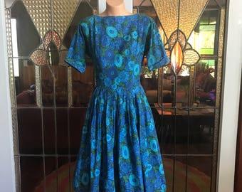 1950s Vintage Blue Floral Print Cotton Day Dress