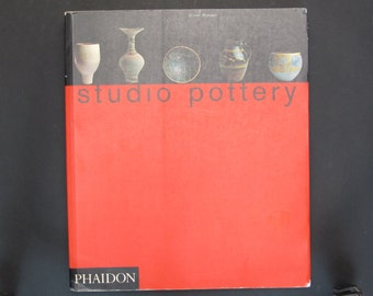 Studio Pottery by Dr Oliver Watson, 1993 Paperback Edition, The Victoria and Albert Museum Collection, 700 Pieces by 200 Artists