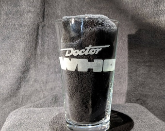 Classic Doctor who logo 7th doctor McCoy etched Pint Glass