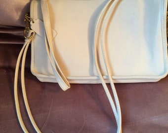 Vintage coach leather crossbody / wrislet clutch handbag early 80's