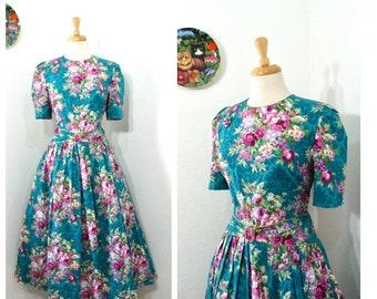 1960s Vintage dress Gorgeous Rose Floral print 60s Day Dress Size M/L