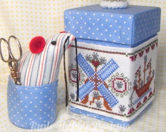 A Mouse In Old Amsterdam - Box Wrap, Box & Pin Cushion