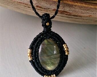 Labradorite necklace,Labradorite Amulet,macrame necklace,Labradorite macrame necklace,Yoga Jewelry, gift for her,Gift ideas,Healing Crystal