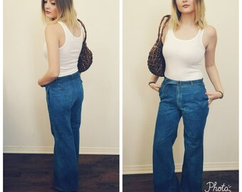 70s Vintage High Waisted Bell Bottoms. Hippie. Hipster. 30 x 31