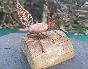 Bead and wire bug