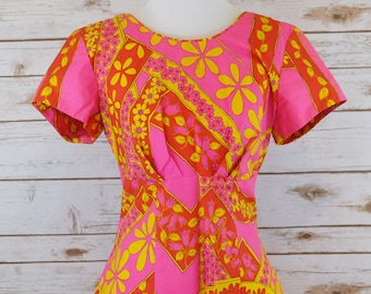 1970s Hot Pink Day Dress