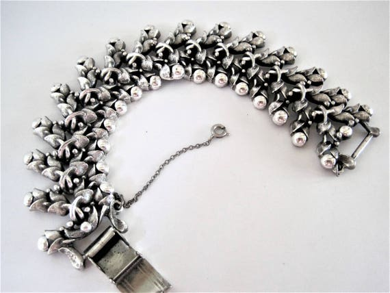 Tortolani Bracelet, Silver Tone Metal, Wide Silver, Leaf Shaped Links