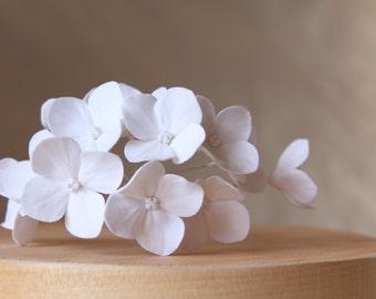 White hydrangea. Hair bobby pin polymer clay flowers. Set of 8. 8 hydrangeas - 8 pins