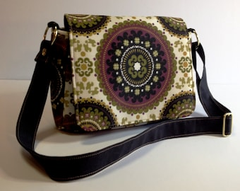 Purse with Flap Shoulder Bag Crossbody Medium-Sized Bag Medallion Print